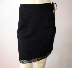 Banana Republic Embroidered Diamond Lace Mini Lined Mini Skirt Black