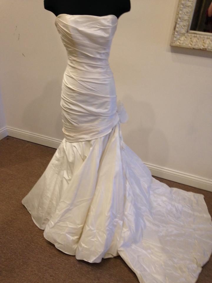 Marisa Bridal Ivory M3 Modern Wedding Dress Size 10 (M) - Tradesy