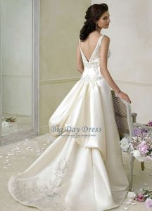 Jim Hjelm 8658 Wedding Dress