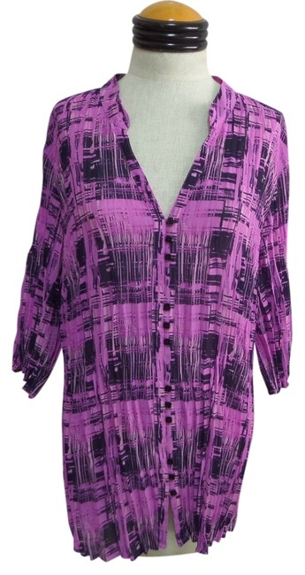 Preload https://item2.tradesy.com/images/lane-bryant-top-purple-and-blue-geometric-print-2986936-0-0.jpg?width=400&height=650