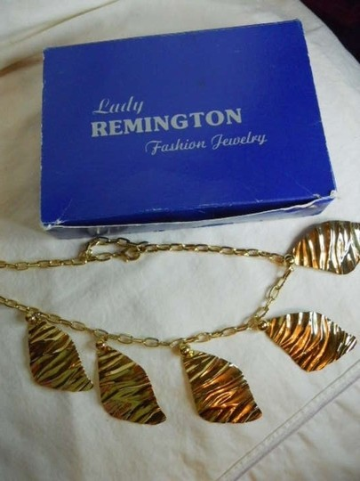 Lady Remington (Lis Sophia) Vintage Lady Remington ( Lia Sophia) Necklace