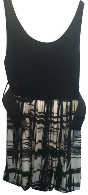 Preload https://img-static.tradesy.com/item/29903/forever-21-black-and-white-bubble-night-out-dress-size-10-m-0-0-650-650.jpg