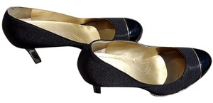 Elie Tahari Gold Trim Glossy Dual Texture black/gold Pumps