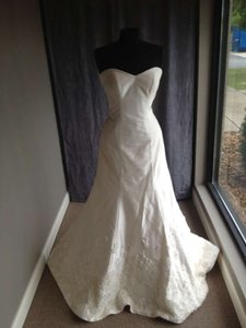 Martina Liana Ivory 372 Modern Wedding Dress Size 12 (L)