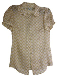 Banana Republic Top Cream with Gold Print