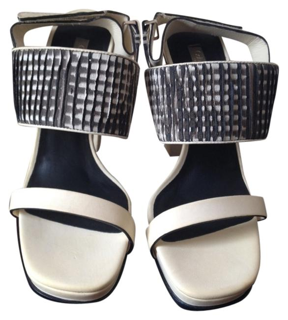 Calvin Klein Collection White Black New Runway Heels Chunky Sandals Size US 7 Regular (M, B) Calvin Klein Collection White Black New Runway Heels Chunky Sandals Size US 7 Regular (M, B) Image 1