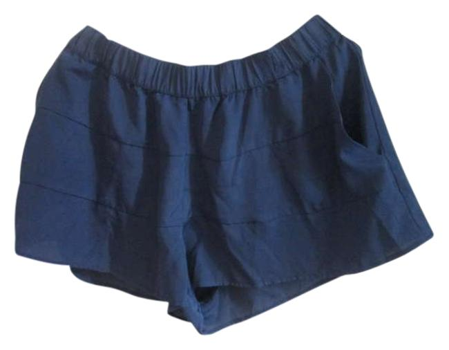 Preload https://item5.tradesy.com/images/h-and-m-navy-minishort-shorts-size-10-m-31-299374-0-0.jpg?width=400&height=650