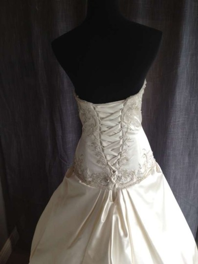Ivory 18732 Wedding Dress Size 10 (M)