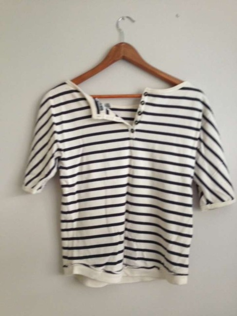 Quiksilver T Shirt Navy and white