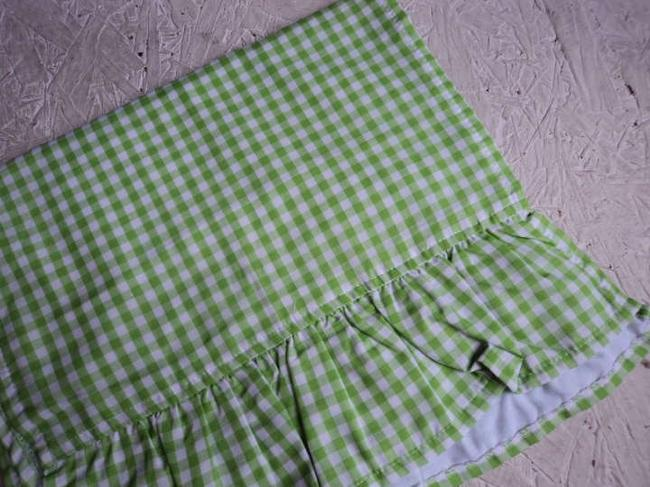 Item - Green Apple Gingham Ruffled Table Runners Tablecloth