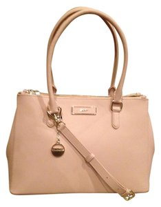 DKNY Satchel in Pale pink