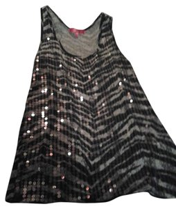 Almost Famous Top black and grey