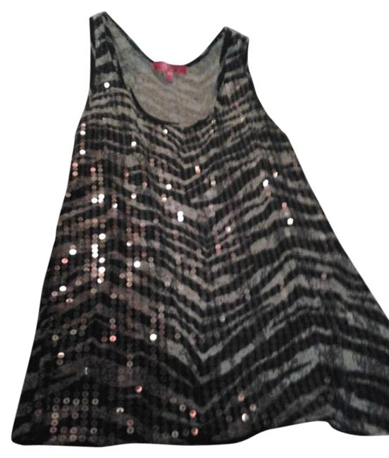 Preload https://item5.tradesy.com/images/black-and-grey-tank-topcami-size-14-l-299829-0-0.jpg?width=400&height=650