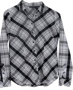 New York & Company Ny & Long Sleeve Oxford Black/white Button Down Shirt White/Black