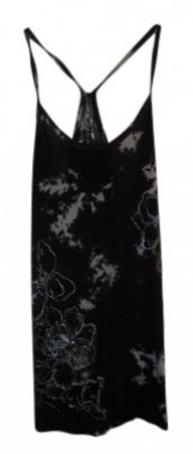 Preload https://item4.tradesy.com/images/forever-21-black-tank-topcami-size-6-s-30018-0-0.jpg?width=400&height=650