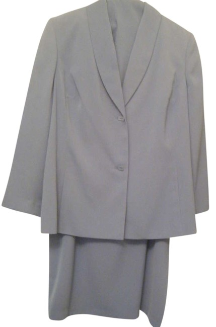 Preload https://item1.tradesy.com/images/amanda-smith-powder-blue-three-piece-skirt-suit-size-18-xl-plus-0x-300190-0-0.jpg?width=400&height=650