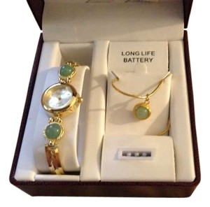 Prestige Prestige watch and necklace set