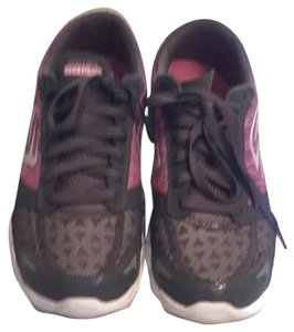 Skechers Gray And Pink Athletic