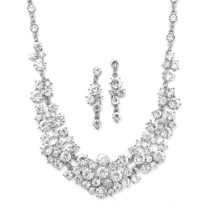 Mariell 673s Bold Crystal Clusters Necklace And Earrings Set
