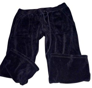 Juicy Couture Capris Black