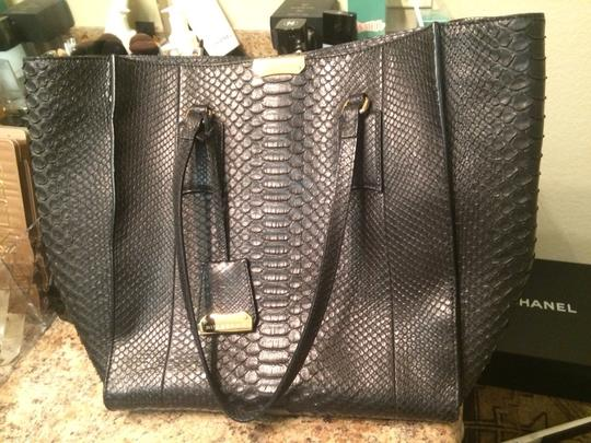 Burberry Tote in Black & Gold!