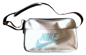 f5727bd4549f Nike Weekend   Travel Bags - Up to 90% off at Tradesy