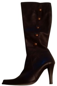Charles David Brand New Designer Italian Chocolate Brown leather with brass buttons Boots