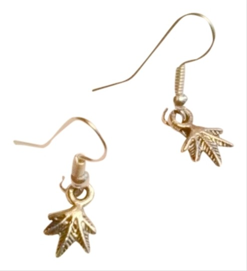 Other Petite Silver Mary Jane plant earrings