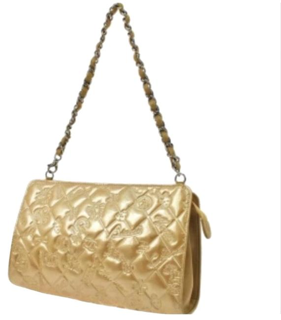 Item - Charm Icon Beige Patent Leather Baguette
