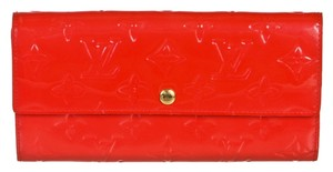 Louis Vuitton Louis Vuitton Rouge Grenadine Vernis Sarah Wallet