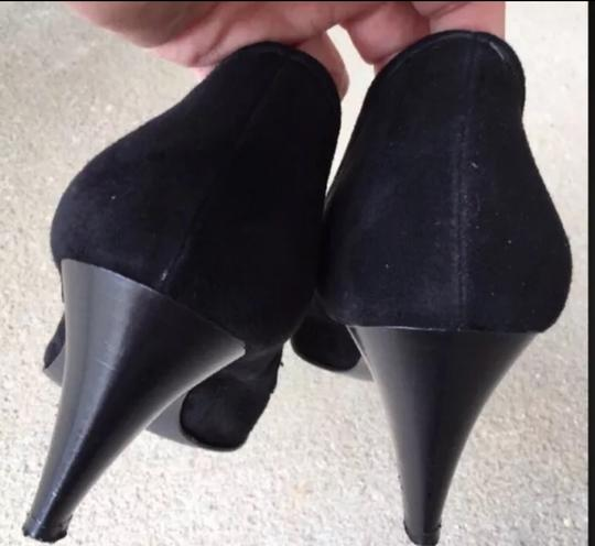 Andre Assous Black Pumps