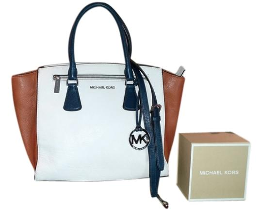 Preload https://item2.tradesy.com/images/michael-kors-sophie-large-colorblock-convertible-navy-optic-white-luggage-pebbled-leather-satchel-3019321-0-0.jpg?width=440&height=440