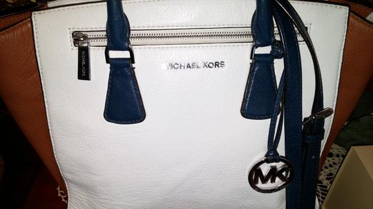 Michael Kors Satchel in Navy-Optic White-Luggage