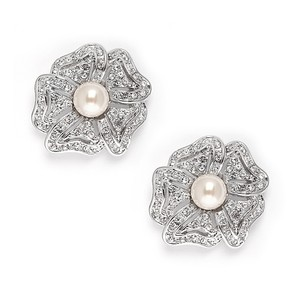 Mariell Vintage Cubic Zirconia Pave Flower Wedding Earrings With Pearl 3826e