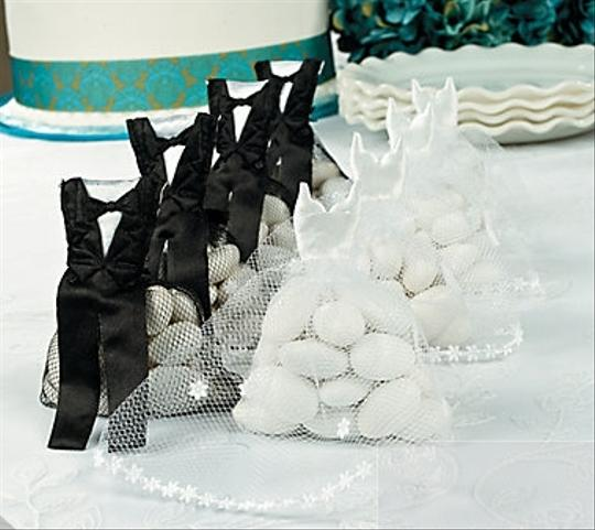 Black Groom White Bride And Bags Reception Decorations