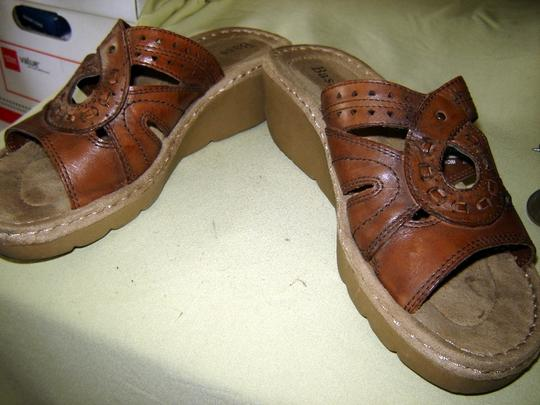 Bass Leather Brown Wedges