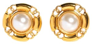 Chanel Vintage Chanel Gold and Pearl Earrings