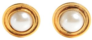 Chanel CHANEL Vintage Pearl Clip On Earrings CCAV402