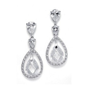 Mariell Bridal Earrings With Faceted Pear-shaped Drops 2017e