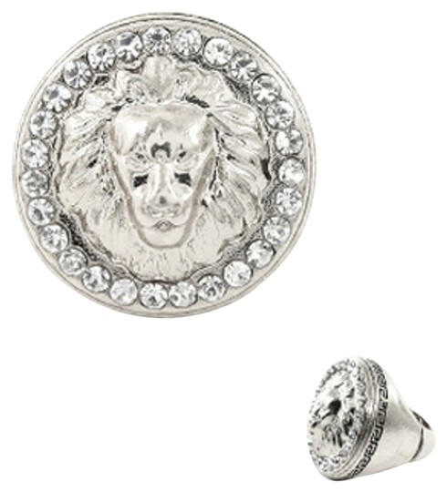 Preload https://item2.tradesy.com/images/silver-tone-bold-lion-of-judah-wrhinestones-stretch-ring-3024796-0-0.jpg?width=440&height=440
