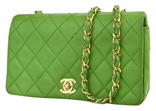Preload https://item2.tradesy.com/images/chanel-255-reissue-255-reissue-classic-flap-quilted-green-lamb-leather-shoulder-bag-3027421-0-5.jpg?width=440&height=440