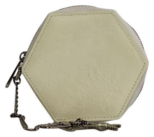 Preload https://item5.tradesy.com/images/louis-vuitton-ivory-patent-leather-snowflake-flocon-mm-coin-purse-wallet-3030274-0-0.jpg?width=440&height=440