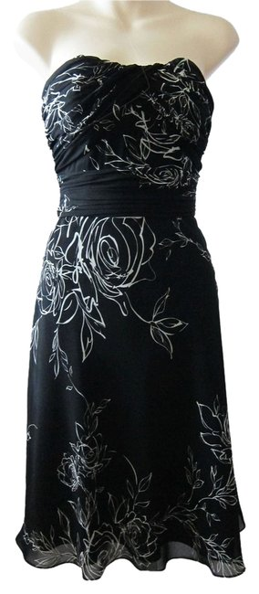 White House | Black Market Floral Flowers Ruched Sweetheart Dress