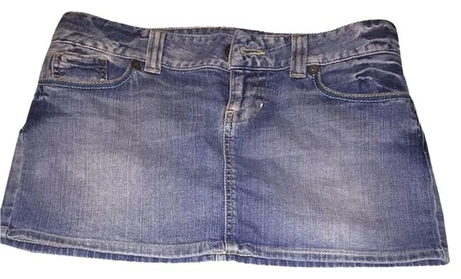 Preload https://item3.tradesy.com/images/guess-jeans-skirt-3033007-0-0.jpg?width=400&height=650