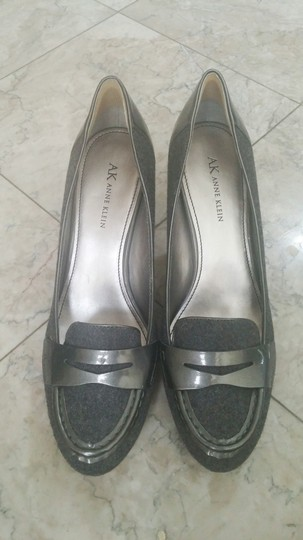 Anne Klein dark grey Pumps