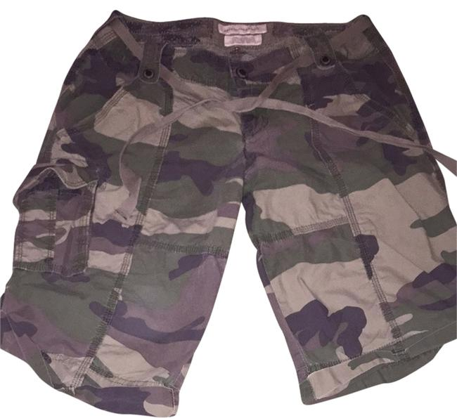 Preload https://item2.tradesy.com/images/abercrombie-and-fitch-camo-army-cargo-size-2-xs-26-3033226-0-0.jpg?width=400&height=650