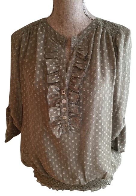 Item - Sage Medium) Blouse Size 8 (M)