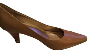 Circaa by Joan David Luxe Soft Versatile Traditional New Tan Leather Pumps