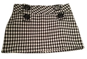 Rue 21 Houndstooth Patterned With Tweed Fabric Mini Skirt Black and White