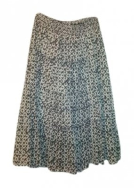 Preload https://item5.tradesy.com/images/old-navy-black-and-white-cool-cotton-flowy-midi-skirt-size-2-xs-26-30374-0-0.jpg?width=400&height=650